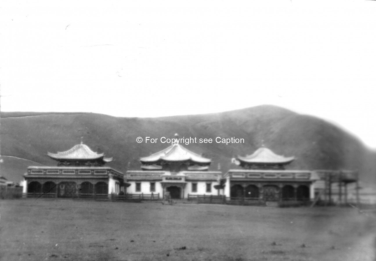 Düinkhor datsan, the main assembly hall, and Jüd datsan from the South. Film Archives K-24218